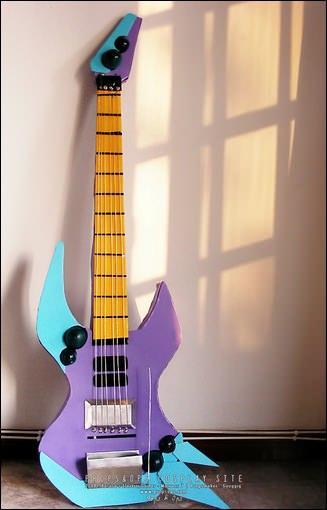 Props - Nekki Basara's Electric Guitar - Macross 7